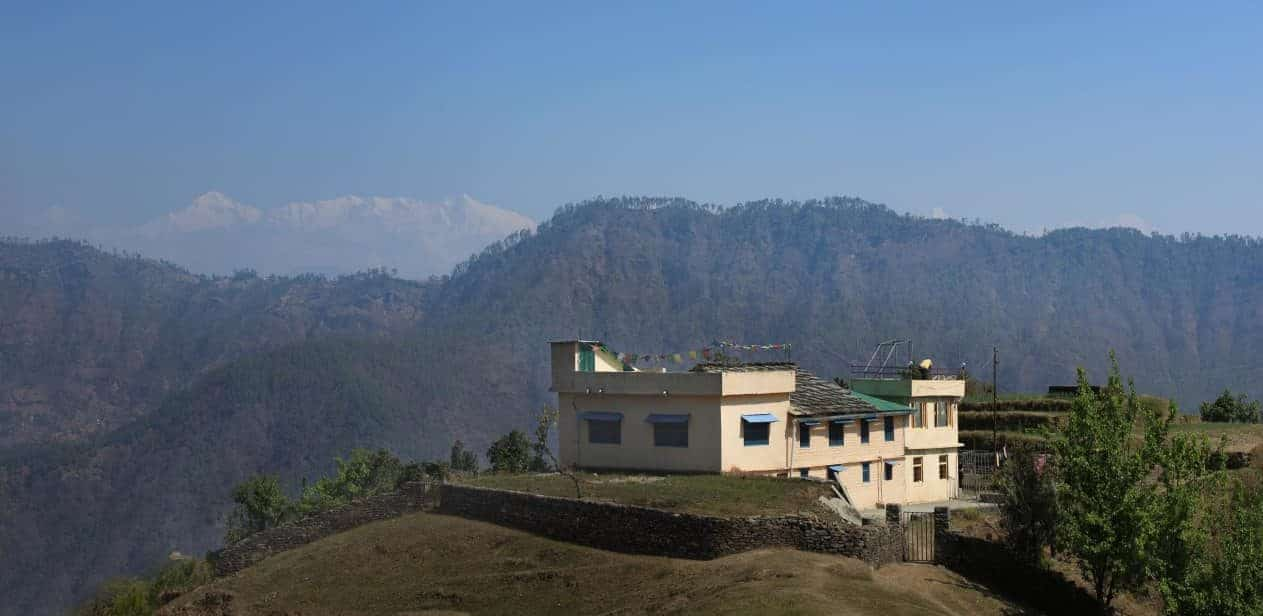 rent a retreat place in india