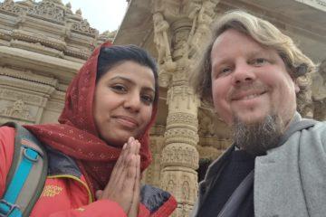 Reiseleiterin Kavita